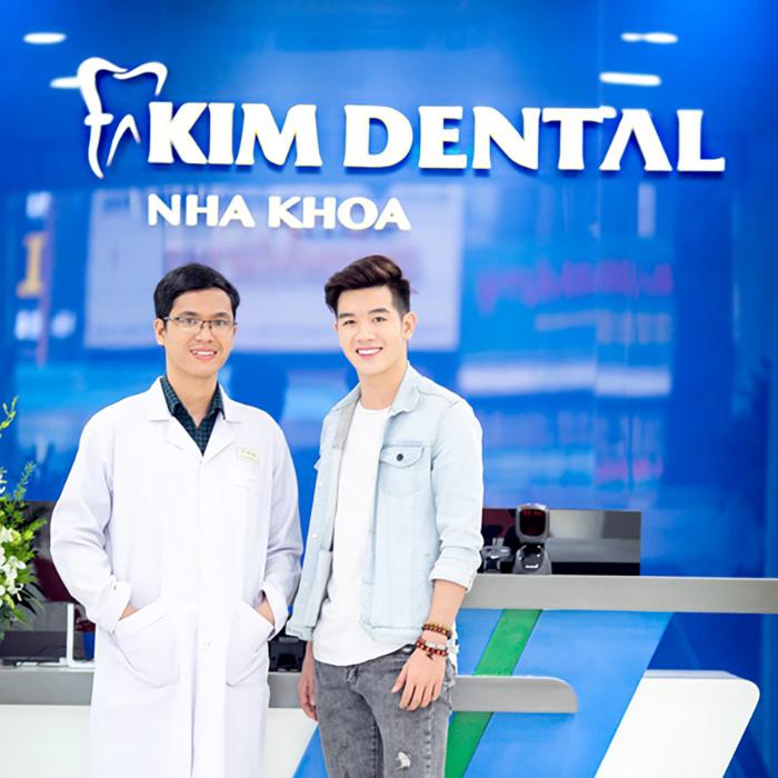 Khách hàng niềng răng tại Nha khoa Kim