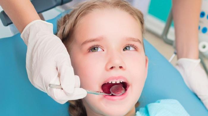 Nhổ răng sữa cho trẻ em - Kỹ thuật nhẹ nhàng và không gây đau đớn 3