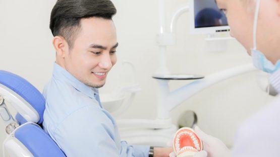 Trồng răng giả bằng cách nào hiệu quả nhất? – Lời khuyên từ chuyên gia
