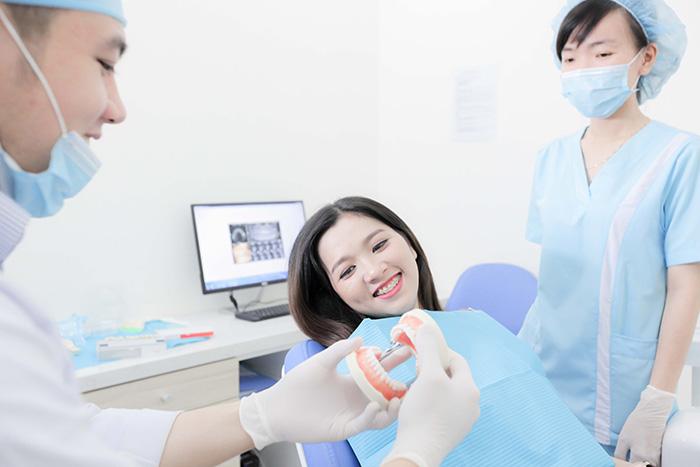Trồng răng hàm dưới