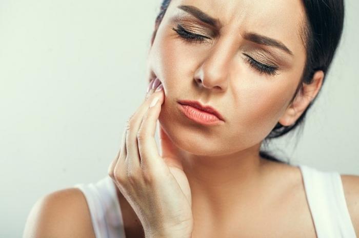 Răng hàm bị mất ảnh hưởng nhiều tới khả năng ăn nhai