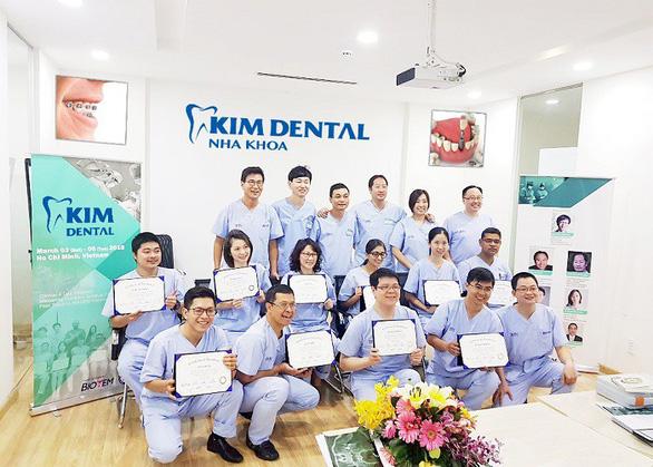 Các bác sĩ Hàn Quốc, Úc, Mỹ đã có mặt tại nha khoa Kim trong chương trình đào tạo chuyển giao công nghệ và học hỏi nhau