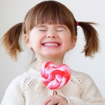 Sâu răng sữa - Nên nhổ bỏ hay phải xử lý như thế nào an toàn?