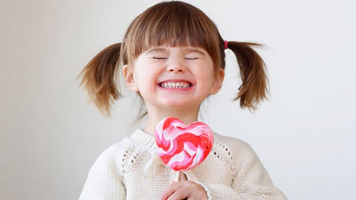 Nhổ răng trẻ em có nên tự nhổ cho trẻ tại nhà không?