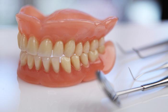 Trồng răng nguyên hàm - Giải pháp phục hồi cho răng bền chắc, thẩm mỹ 1