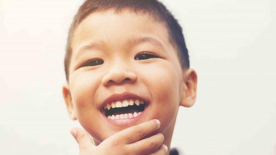 Có nên trám răng cho trẻ không?