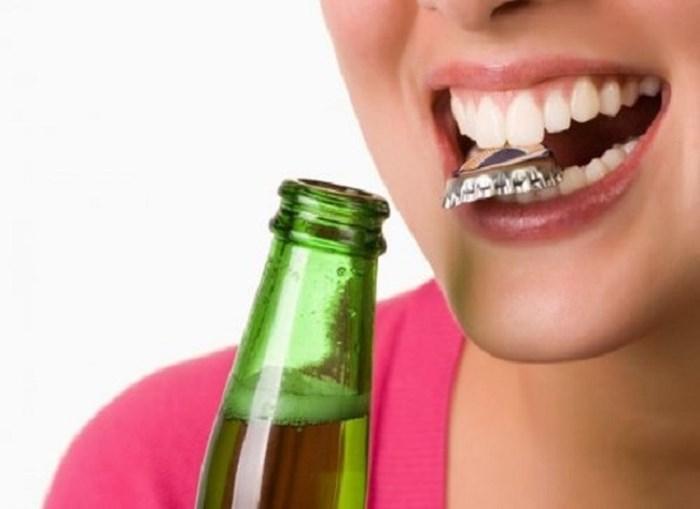 Răng sứ hỏng, rớt ra phải làm sao? Khắc phục thế nào hiệu quả? 2