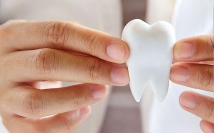 Nhổ răng số 4 và những thông tin liên quan bạn cần biết 1