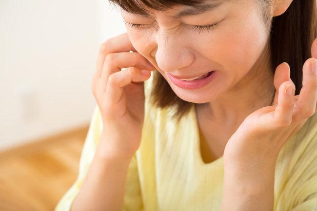 sai lầm răng miệng không nên đặt thuốc aspirin ngay bên cạnh răng sâu để giảm cơn đau