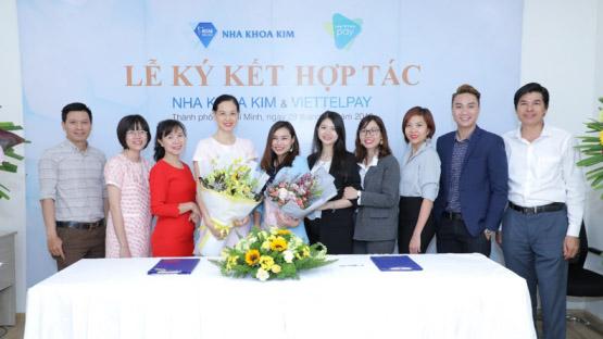 """Nha khoa Kim và Viettel TP.HCM """"bắt tay"""" vì lợi ích khách hàng"""