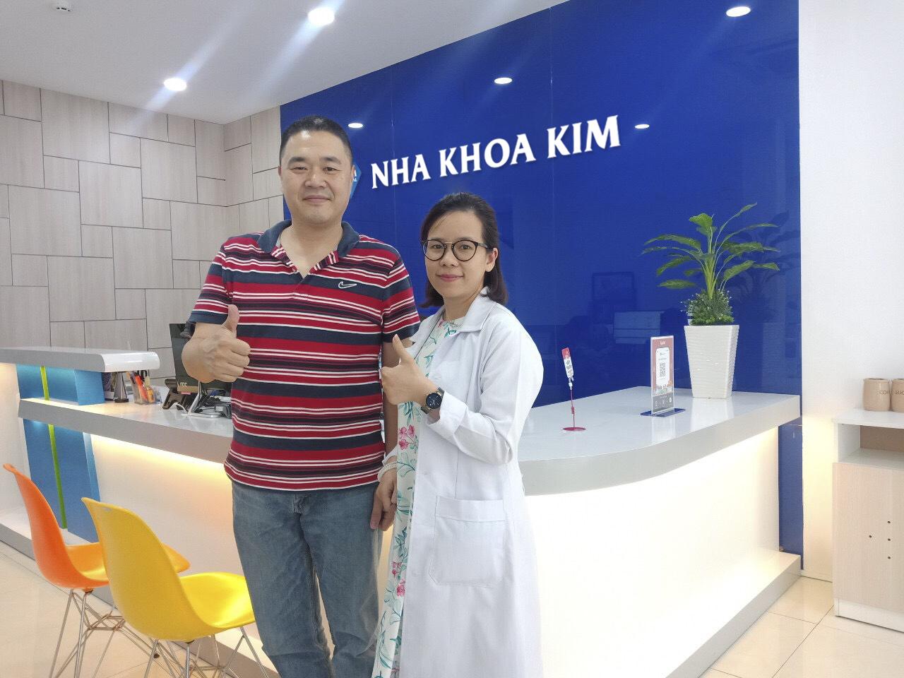 Nhiều khách hàng trong và ngoài nướchài lòng với chất lượng dịch vụchuẩn quốc tế của Nha khoa Kim.