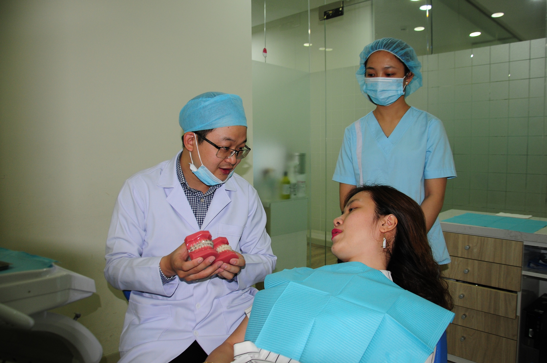 Bạn sẽ tự tin với nụ cười rạng rỡ và những chiếc răng sứ bền, đẹp tự nhiên. Nha Khoa Kim chuẩn quốc tế
