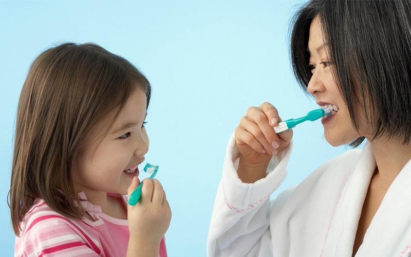 đánh răng cho bé - 2