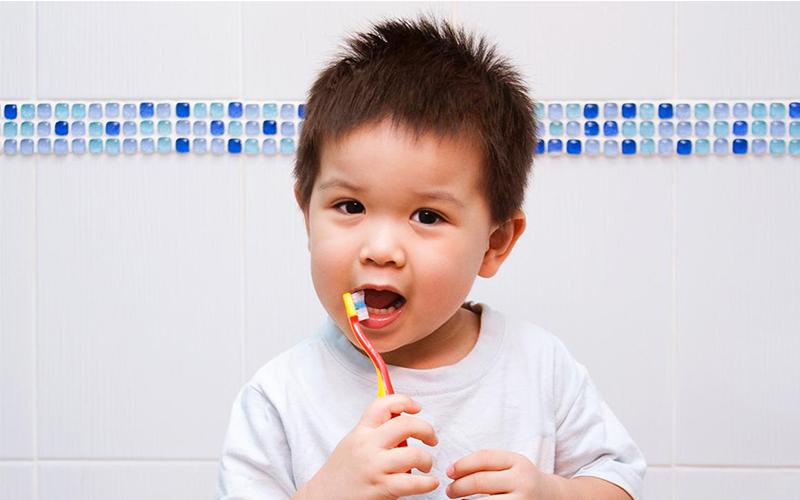 đánh răng cho bé - 1