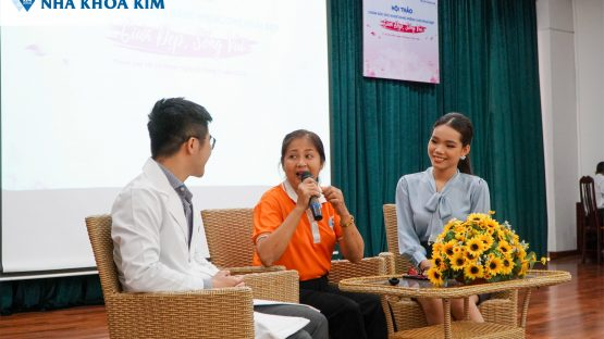 """Nha Khoa Kim chăm sóc nụ cười phụ nữ Hội LHPN Quận 3 tại Hội Thảo """"Cười Đẹp – Sống vui"""""""