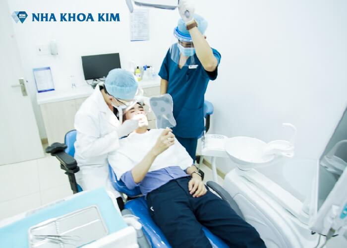 phòng điều trị riêng biệt cho khách hàng tại nha khoa Kim